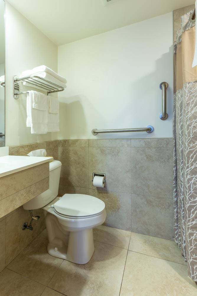 REM ADA Room 8 2020 004 - Rooms